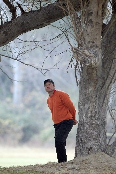 DELHI, INDIA - FEBRUARY 08:  Jose Manuel Lara of Spain waits to play his third shot at the 8th hole during the second round of the Emaar-MGF Indian Masters at the Delhi Golf Club, on February 8, 2008 in Delhi, India.  (Photo by David Cannon/Getty Images)