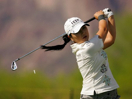 SUPERSTITION MOUNTAIN, AZ - MARCH 23:  Jeong Jang of South Korea hits her tee shot on the 17th hole during the second round of the Safeway International at the Superstition Mountain Golf and Country Club on March 23, 2007 in Superstition Mountain, Arizona.  (Photo by Scott Halleran/Getty Images)