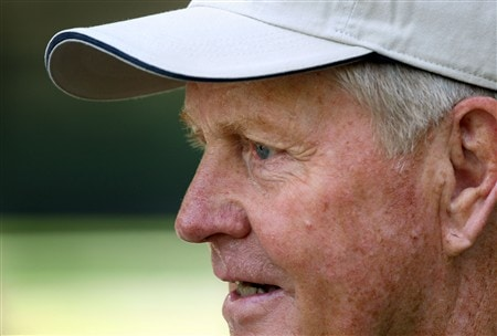AUGUSTA, GA - APRIL 09:  Jack Nicklaus waits near the clubhouse during the third day of practice prior to the start of the 2008 Masters Tournament at Augusta National Golf Club on April 9, 2008 in Augusta, Georgia.  (Photo by David Cannon/Getty Images)
