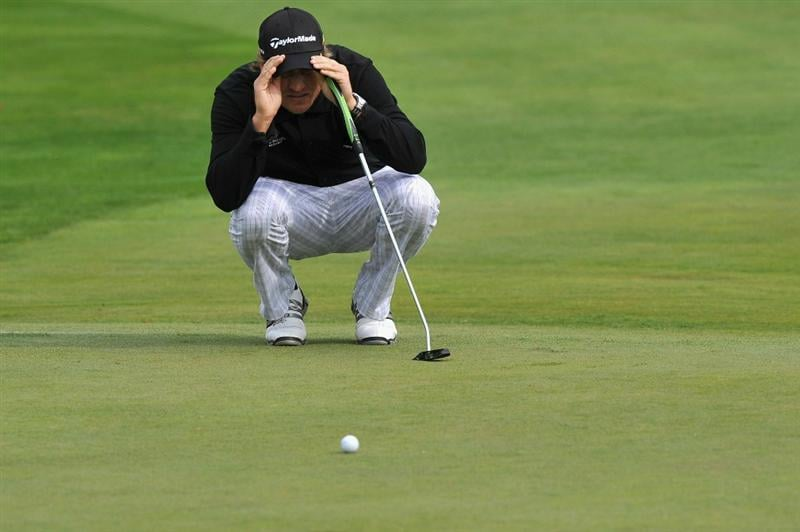 PARIS - SEPTEMBER 23:  Jarmo Sandelin of Sweden lines up his putt on the third hole during day one of the Vivendi Cup at Joyenval golf course on September 23, 2010 in Paris, France.  (Photo by Pascal Le Segretain/Getty Images)