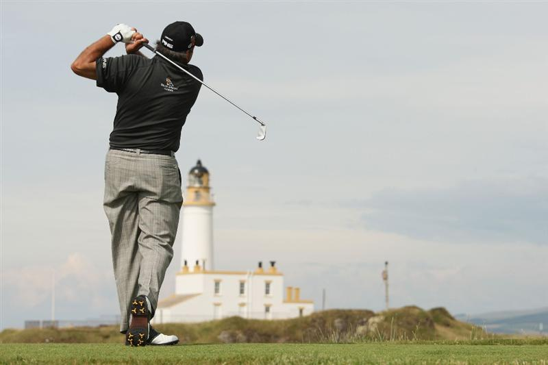 TURNBERRY, SCOTLAND - JULY 16:  Angel Cabrera of Argentina tees off on the 9th hole during round one of the 138th Open Championship on the Ailsa Course, Turnberry Golf Club on July 16, 2009 in Turnberry, Scotland.  (Photo by Ross Kinnaird/Getty Images)