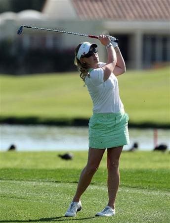 RANCHO MIRAGE, CA - APRIL 02:  Morgan Pressel of the USA plays her third shot at the 18th hole during the first round of the 2009 Kraft Nabisco Championship, at the Mission Hills Country Club on April 2, 2009 in Rancho Mirage, California  (Photo by David Cannon/Getty Images)