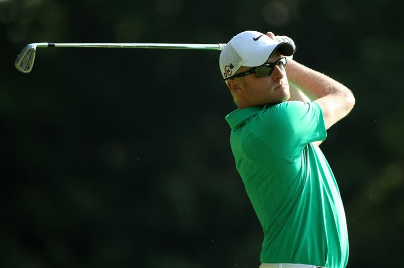 VIRGINIA WATER, ENGLAND - MAY 21:  Simon Dyson of England tees off on the 2nd hole during the second round of the BMW PGA Championship on the West Course at Wentworth on May 21, 2010 in Virginia Water, England.  (Photo by Warren Little/Getty Images)