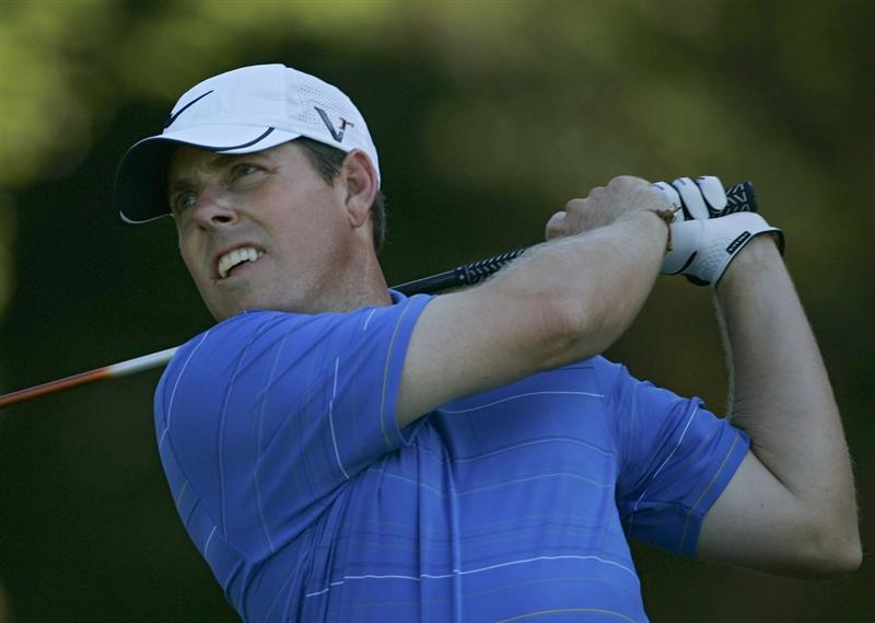 NORTON, MA - SEPTEMBER 04:  Justin Leonard of the United States watches his drive during the first round of the Deutche Bank Championship at TPC Boston held on September 4, 2009 in Norton, Massachusetts.  (Photo by Michael Cohen/Getty Images)