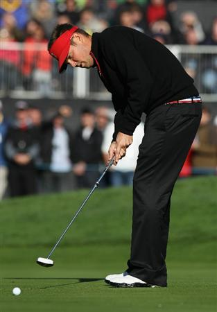 NEWPORT, WALES - OCTOBER 04:  Jeff Overton of the USA watches a putt on the first green in the singles matches during the 2010 Ryder Cup at the Celtic Manor Resort on October 4, 2010 in Newport, Wales.  (Photo by Ross Kinnaird/Getty Images)