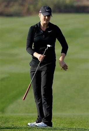 INCHEON, SOUTH KOREA - OCTOBER 31:  Amanda Blumenherst of United States on the 18th hole Choi during the final round of the 2010 LPGA Hana Bank Championship at Sky 72 Golf Club on October 31, 2010 in Incheon, South Korea.  (Photo by Chung Sung-Jun/Getty Images)