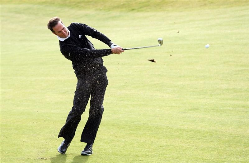 KINGSBARNS, UNITED KINGDOM - OCTOBER 01:  Former England cricket captain Michael Vaughan plays on the third hole during the final practice round of The Alfred Dunhill Links Championship at Kingsbarns Golf Links on October 1, 2008 in Kingbarns, Scotland.  (Photo by Ross Kinnaird/Getty Images)