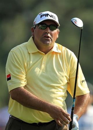 AUGUSTA, GA - APRIL 09:  Angel Cabrera of Argentina watches his tee shot on the 18th hole during the third round of the 2011 Masters Tournament at Augusta National Golf Club on April 9, 2011 in Augusta, Georgia.  (Photo by David Cannon/Getty Images)