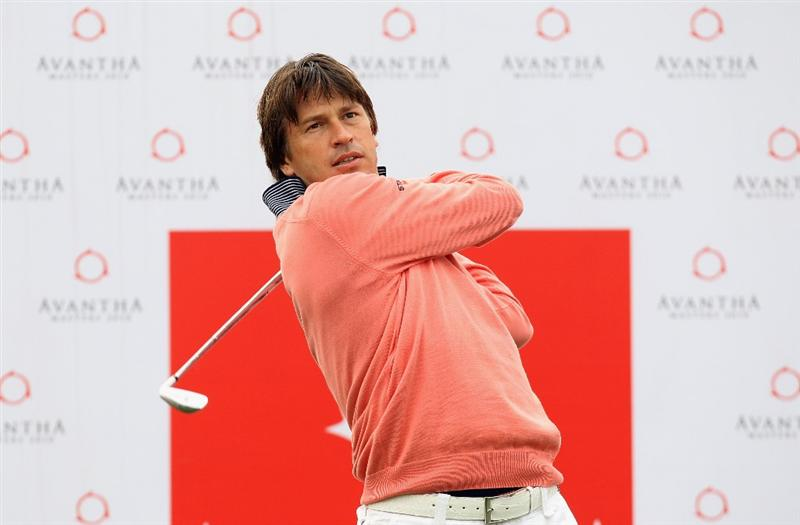 NEW DELHI, INDIA - FEBRUARY 10:  Robert-Jan Derksen of The Netherlands in action during the Pro-AM of the Avantha Masters held at The DLF Golf and Country Club on February 10, 2010 in New Delhi, India.  (Photo by Ian Walton/Getty Images)