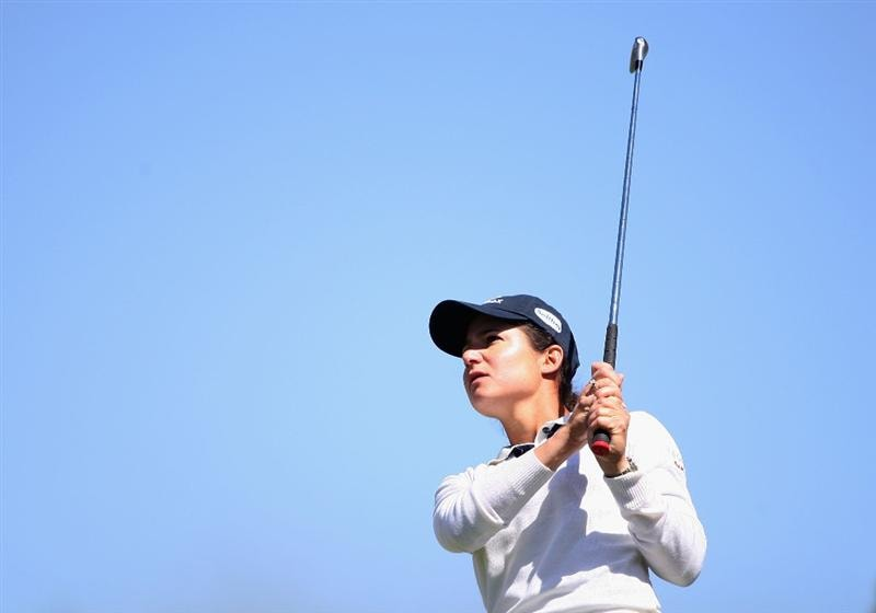 PHOENIX, AZ - MARCH 27:  Lorena Ochoa of Mexico tees off on the 17th hole during the second round of the J Golf Phoenix LPGA International golf tournament at Papago Golf Course on March 27, 2009 in Phoenix, Arizona.  (Photo by Christian Petersen/Getty Images)
