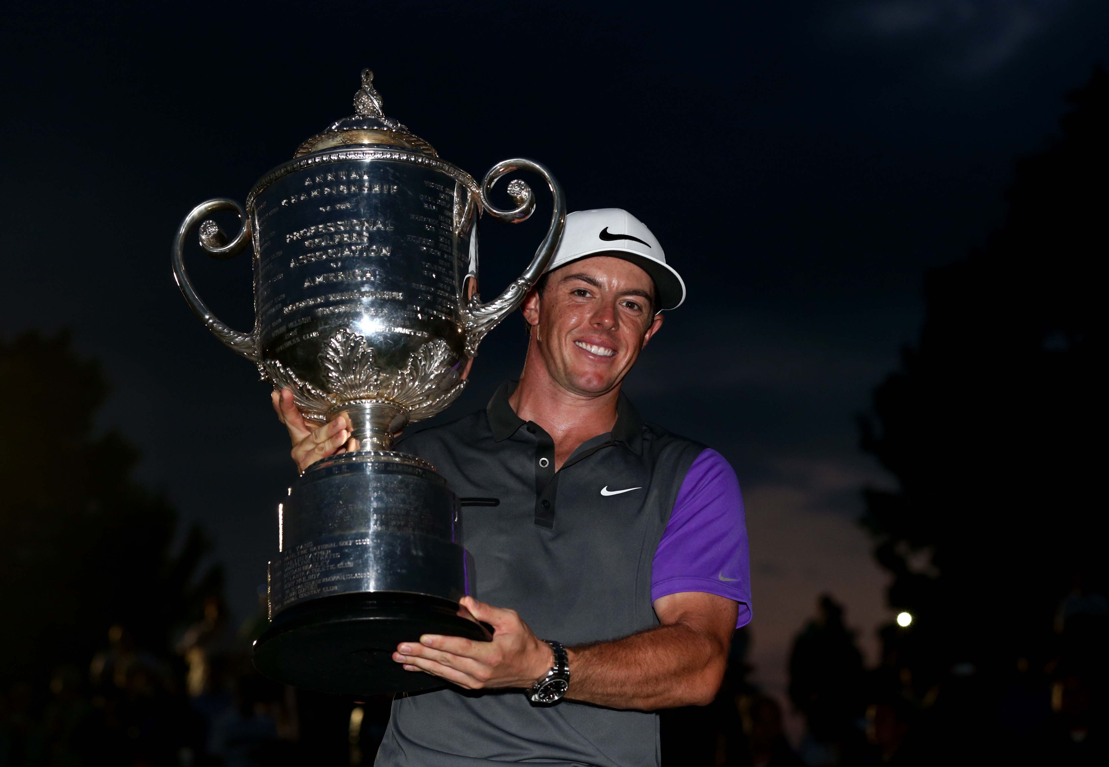 5. PGA concludes in dark, with final 'foursome'