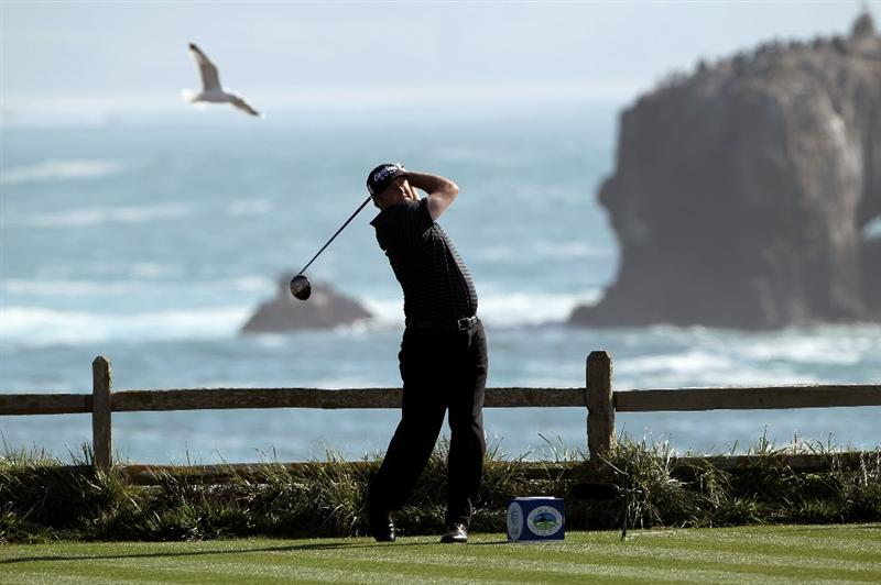PEBBLE BEACH, CA - FEBRUARY 14:  Steve Marino tees off on the 18th hole during the final round of the AT&T Pebble Beach National Pro-Am at Pebble Beach Golf Links on February 14, 2010 in Pebble Beach, California.  (Photo by Ezra Shaw/Getty Images)