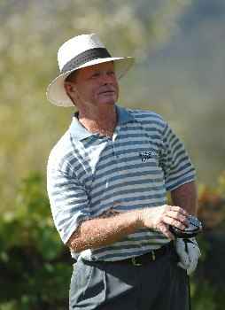 SONOMA, CA - OCTOBER 25:  Tom Kite watches his tee shot on the par three 4th hole during the first round of the Charles Schwab Cup Championship on October 25, 2007 at the Sonoma Golf Club in Sonoma, California  (Photo by Marc Feldman/Getty Images)