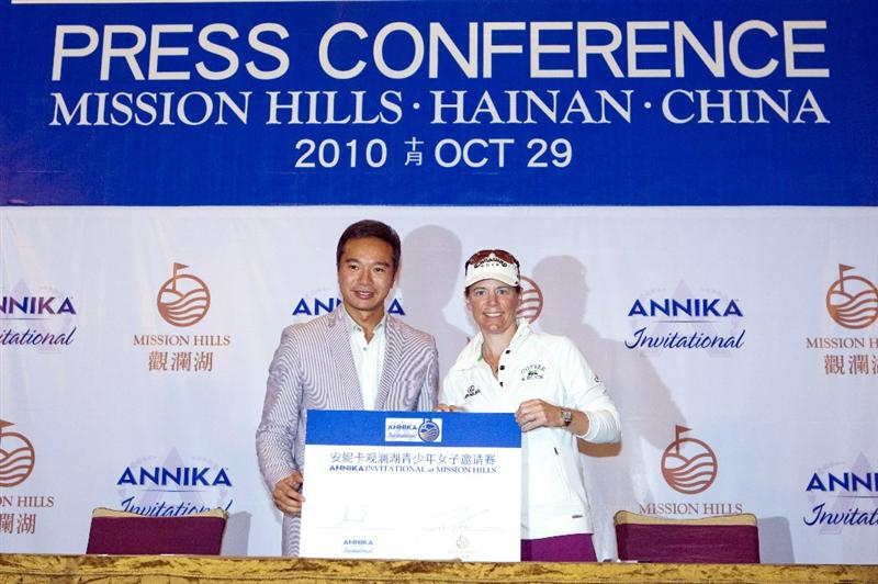 HAIKOU, CHINA - OCTOBER 29:  (L-R) Golfer Annika Sorenstam of Sweden and  Executive Director Mission Hills Tenniel Chu pose for the medias during a press conference as part of the Mission Hills Star Trophy tournament at Mission Hills Resort on October 29, 2010 in Haikou, China. The Mission Hills Star Trophy is Asia's leading leisure liflestyle event and features Hollywood celebrities and international golf stars.  (Photo by Athit Perawongmetha/Getty Images for Mission Hills)