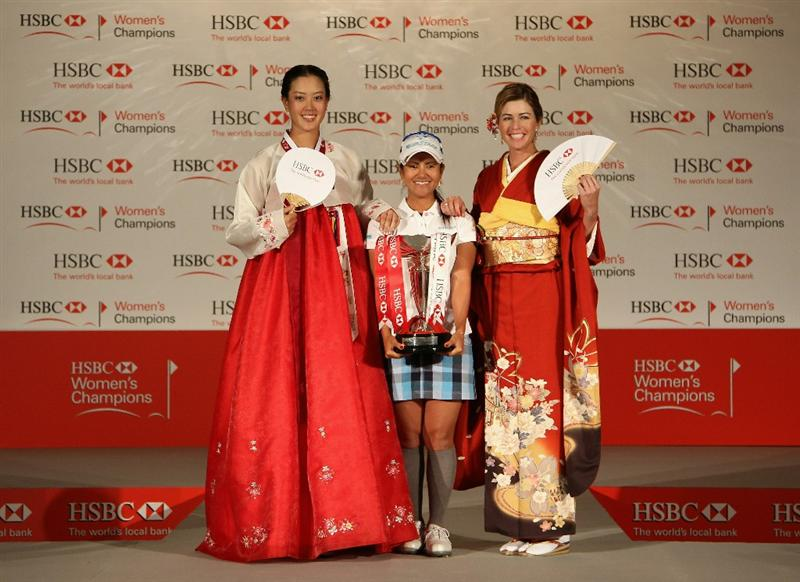 SINGAPORE - FEBRUARY 22:  (L-R) Michelle Wie of the USA, Ai Miyazato of Japan and Paula Creamer of the USA pose for pictures during a photocall at the Fairmont Hotel prior to the start of the HSBC Women's Champions at the Tanah Merah Country Club on February 22, 2011 in Singapore.  (Photo by Andrew Redington/Getty Images)