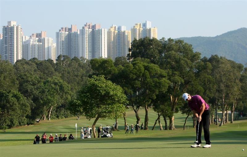 HONG KONG, CHINA - NOVEMBER 20:  Oliver Wilson of England putting on the 14th hole during the first round of the UBS Hong Kong Open at the Hong Kong Golf Club on November 20, 2008 in Fanling, Hong Kong.  (Photo by Stuart Franklin/Getty Images)