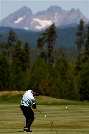 SUNRIVER, OR - AUGUST 23:  Tom Lehman hits his second shot on the 6th hole during the final round of the Jeld-Wen Tradition on August 23, 2009 at  the Crosswater Club at Sunriver Resort in Sunriver, Oregon.  (Photo by Jonathan Ferrey/Getty Images)