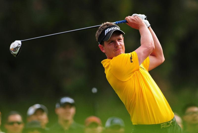 PACIFIC PALISADES, CA - FEBRUARY 21:  Luke Donald of England plays his tee shot on the second hole during the third round of the Northern Trust Open at the Riviera Country Club February 21, 2009 in Pacific Palisades, California.  (Photo by Stuart Franklin/Getty Images)