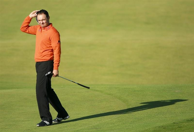 KINGSBARNS, SCOTLAND - OCTOBER 07:  Simon Khan of England reacts after putting on the seventh green during the first round of The Alfred Dunhill Links Championship at Kingsbarns Golf Links on October 7, 2010 in Kingsbarns, Scotland.  (Photo by Andrew Redington/Getty Images)