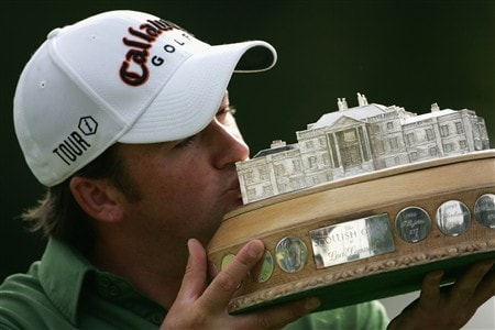 LUSS, UNITED KINGDOM - JULY 13:  Graeme McDowell of Northern Ireland kisses the trophy following his victory at the end of the Final Round of The Barclays Scottish Open at Loch Lomond Golf Club on July 13, 2008 in Luss, Scotland.  (Photo by Matthew Lewis/Getty Images)