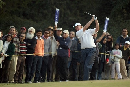 DELHI, INDIA - FEBRUARY 08:  Ernie Els of South Africa hits his second shot to the 18th hole during the second round of the Emaar-MGF Indian Masters at the Delhi Golf Club, on February 8, 2008 in Delhi, India.  (Photo by David Cannon/Getty Images)