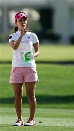RANCHO MIRAGE, CA - APRIL 02:  Momoko Ueda of Japan plays her third shot at the 18th hole during the first round of the 2009 Kraft Nabisco Championship, at the Mission Hills Country Club on April 2, 2009 in Rancho Mirage, California  (Photo by David Cannon/Getty Images)