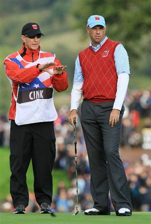 NEWPORT, WALES - OCTOBER 03:  Stewart Cink of the USA chats with his caddie Frank Williams during the  Fourball & Foursome Matches during the 2010 Ryder Cup at the Celtic Manor Resort on October 3, 2010 in Newport, Wales.  (Photo by David Cannon/Getty Images)