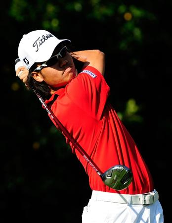 PALM HARBOR, FL - MARCH 19:  Kevin Na hits a shot on the 11th hole during the first round of the Transitions Championship at the Innisbrook Resort and Golf Club on March 19, 2009 in Palm Harbor, Florida.  (Photo by Sam Greenwood/Getty Images)