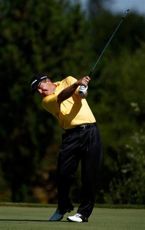 SUNRIVER, OR - AUGUST 23:  Fred Funk tees off on the 7th hole during the final round of the Jeld-Wen Tradition on August 23, 2009 at  the Crosswater Club at Sunriver Resort in Sunriver, Oregon.  (Photo by Jonathan Ferrey/Getty Images)
