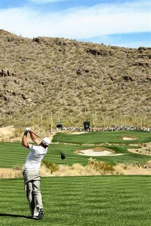 MARANA, AZ - FEBRUARY 25:  Nick Watney hits his tee shot on the 15th hole during the third round of the Accenture Match Play Championship at the Ritz-Carlton Golf Club on February 25, 2011 in Marana, Arizona.  (Photo by Sam Greenwood/Getty Images)