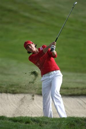 HALF MOON BAY, CA - OCTOBER 02:  Juli Inkster hits her second shot on the 16th hole during the first round of the Samsung World Championship at the Half Moon Bay Golf Links Ocean Course on October 2, 2008 in Half Moon Bay, California.  (Photo by Jonathan Ferrey/Getty Images)