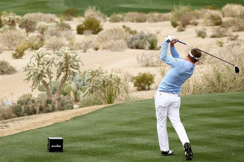 MARANA, AZ - FEBRUARY 26:  Luke Donald of England hits his tee shot on the fifth hole during the semifinal round of the Accenture Match Play Championship at the Ritz-Carlton Golf Club on February 26, 2011 in Marana, Arizona.  (Photo by Andy Lyons/Getty Images)