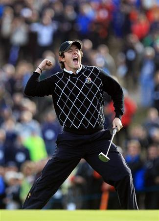 NEWPORT, WALES - OCTOBER 02:  Rory McIlroy of Europe celebrates holing a birdie putt on the 17th green during the rescheduled Morning Fourball Matches during the 2010 Ryder Cup at the Celtic Manor Resort on October 2, 2010 in Newport, Wales.  (Photo by David Cannon/Getty Images)