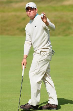 TURNBERRY, SCOTLAND - JULY 19:  Justin Leonard of USA acknowledges the crowd during the final round of the 138th Open Championship on the Ailsa Course, Turnberry Golf Club on July 19, 2009 in Turnberry, Scotland.  (Photo by Stuart Franklin/Getty Images)