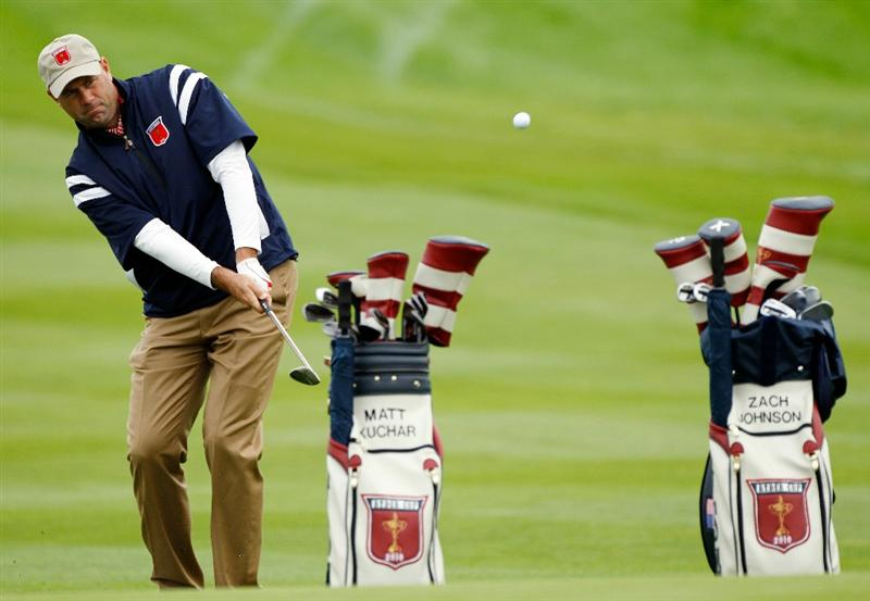 NEWPORT, WALES - SEPTEMBER 30:  Stewart Cink of the USA chips during a practice round prior to the 2010 Ryder Cup at the Celtic Manor Resort on September 30, 2010 in Newport, Wales.  (Photo by Sam Greenwood/Getty Images)