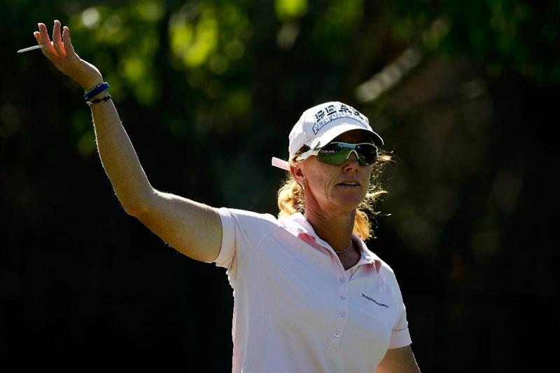 DANVILLE, CA - SEPTEMBER 24:  Helen Alfredsson of Sweden asks where her ball is on the 9th hole during the first round of the CVS/pharmacy LPGA Challenge at Blackhawk Country Club on September 24, 2009 in Danville, California.  (Photo by Jonathan Ferrey/Getty Images)