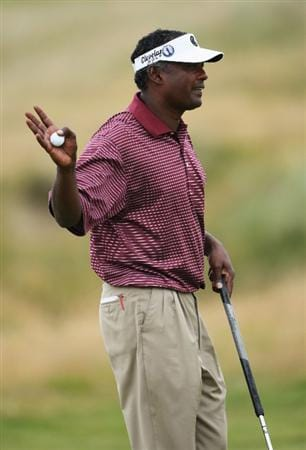 TURNBERRY, SCOTLAND - JULY 16:  Vijay Singh of Fiji acknowledges the crowd during round one of the 138th Open Championship on the Ailsa Course, Turnberry Golf Club on July 16, 2009 in Turnberry, Scotland.  (Photo by Andrew Redington/Getty Images)