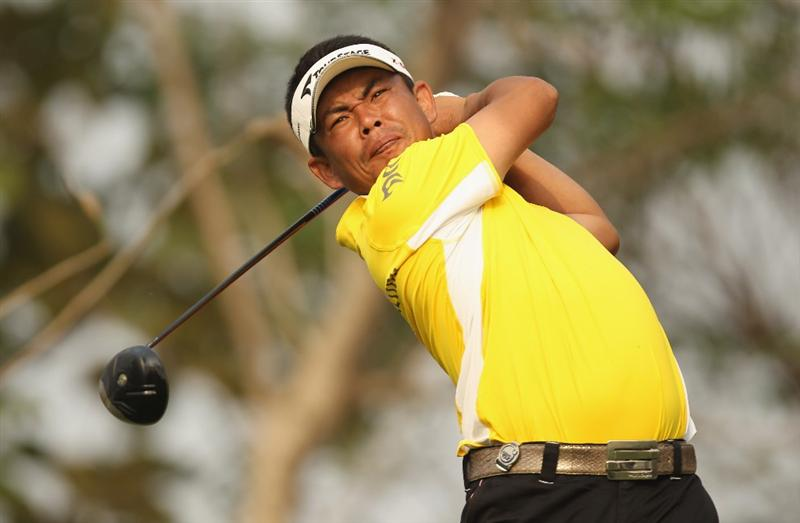 NEW DELHI, INDIA - FEBRUARY 13:  Tetsuji Hiratsuka of Japan in action during Round Three of the Avantha Masters held at The DLF Golf and Country Club on February 13, 2010 in New Delhi, India.  (Photo by Ian Walton/Getty Images)
