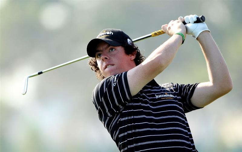 ABU DHABI, UNITED ARAB EMIRATES - JANUARY 22:  Rory McIlroy of Northern Ireland hits his second shot on the 17th hole during the second round of The Abu Dhabi Golf Championship at Abu Dhabi Golf Club on January 22, 2010 in Abu Dhabi, United Arab Emirates.  (Photo by Andrew Redington/Getty Images)