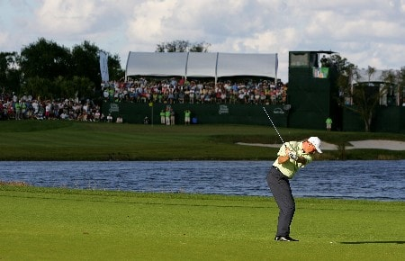 PALM BEACH GARDENS, FL - MARCH 02:  Ernie Els of South Africa hits a shot on the 16th hole during the final round of the Honda Classic at PGA National Resort and Spa on March 2, 2008 in Palm Beach Gardens, Florida.  (Photo by Sam Greenwood/Getty Images)
