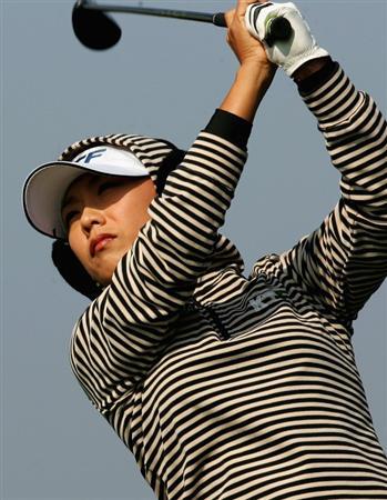 INCHEON, SOUTH KOREA - NOVEMBER 01:  Mi-Hyun Kim of South Korea hits her tee shot on the 8th hole during round two of the Hana Bank KOLON Championship at Sky72 Golf Club on November 1, 2008 in Incheon, South Korea.  (Photo by Chung Sung-Jun/Getty Images)