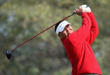 DOHA, QATAR - JANUARY 24:  Mardan Mamat of Singapore on the 18th hole during the first round of the Commercial Bank Qatar Masters held at the Doha Golf Club on January 24, 2008 in Doha,Qatar.  (Photo by Ross Kinnaird/Getty Images)