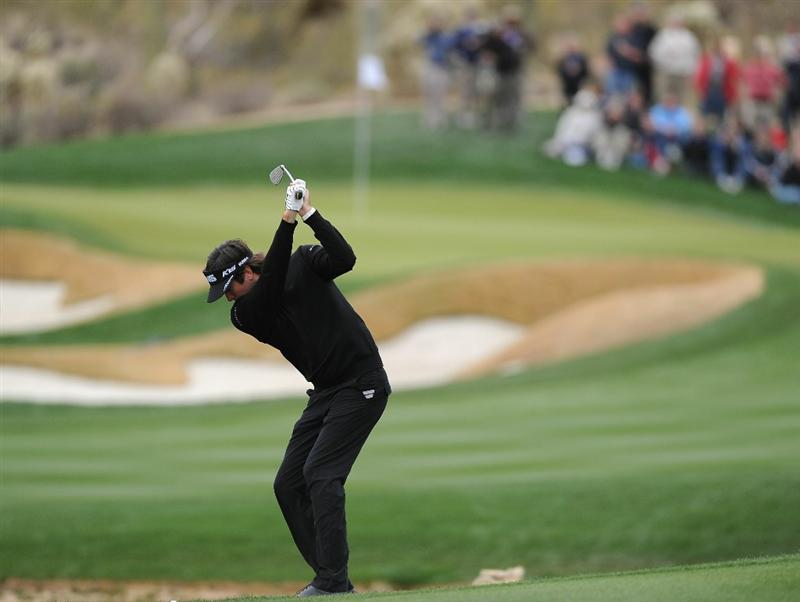 MARANA, AZ - FEBRUARY 26:  Bubba Watson hits a shot on the 14th hole during the semifinal round of the Accenture Match Play Championship at the Ritz-Carlton Golf Club on February 26, 2011 in Marana, Arizona.  (Photo by Stuart Franklin/Getty Images)