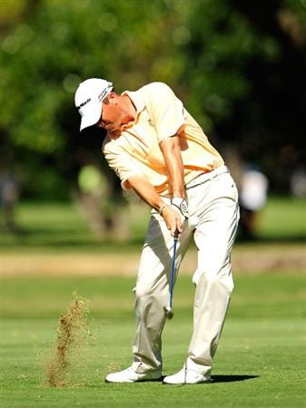 HONOLULU - JANUARY 15:  Ryan Palmer plays a shot on the 8th hole during the second round of the Sony Open at Waialae Country Club on January 15, 2010 in Honolulu, Hawaii.  (Photo by Sam Greenwood/Getty Images)