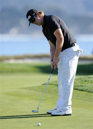 PEBBLE BEACH, CA - FEBRUARY 11:  Hunter Mahan putting on the 17th hole during the second round of the AT&T Pebble Beach National Pro-Am at the Pebble Beach Golf Links on February 11, 2011  in Pebble Beach, California  (Photo by Stuart Franklin/Getty Images)