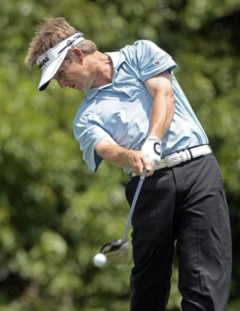 AVONDALE, LA - APRIL 25: David Toms tees off on the 2nd hole during the third round of the Zurich Classic at TPC Louisiana on April 25, 2009  in Avondale, Louisiana. (Photo by Dave Martin/Getty Images)