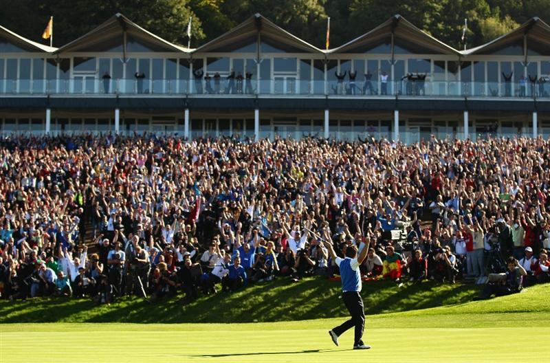 NEWPORT, WALES - OCTOBER 04:  Graeme McDowell of Europe celebrates his birdie putt on the 16th green in the singles matches during the 2010 Ryder Cup at the Celtic Manor Resort on October 4, 2010 in Newport, Wales.  (Photo by Richard Heathcote/Getty Images)