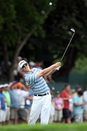 CHASKA, MN - AUGUST 13:  Hunter Mahan plays his third shot on the 15th hole during the first round of the 91st PGA Championship at Hazeltine National Golf Club on August 13, 2009 in Chaska, Minnesota.  (Photo by David Cannon/Getty Images)