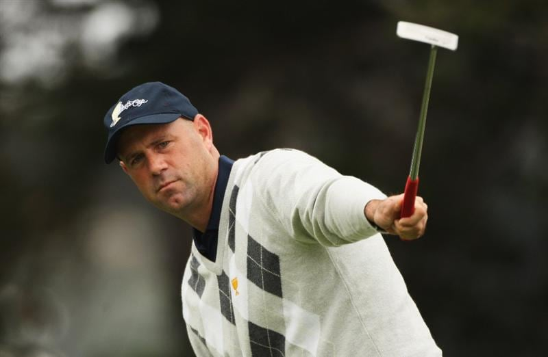 SAN FRANCISCO - OCTOBER 10:  Stewart Cink of the USA Team reacts to a putt on the 18th green during the Day Three Morning Foursomes Matches of The Presidents Cup at Harding Park Golf Course on October 10, 2009 in San Francisco, California.  (Photo by Warren Little/Getty Images)