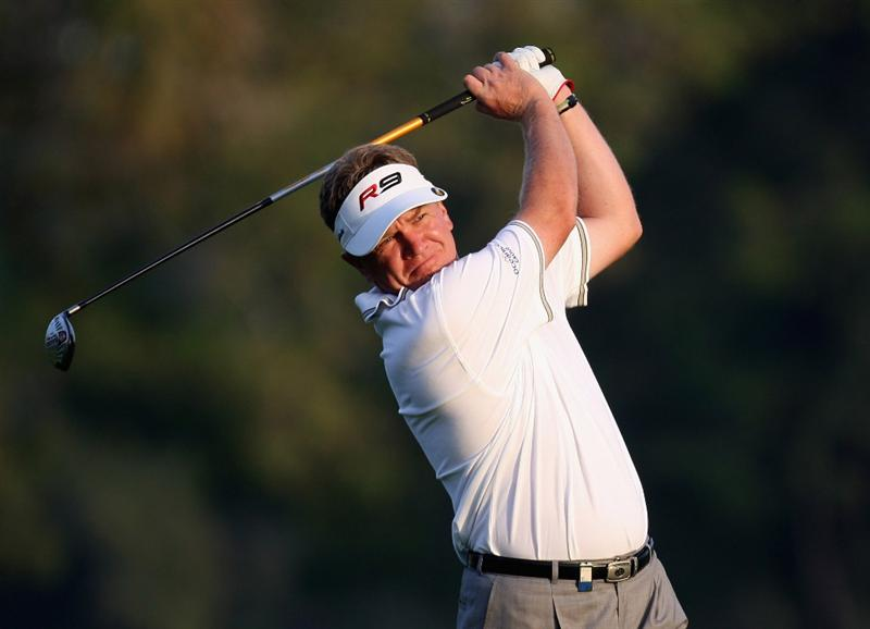 DUBAI, UNITED ARAB EMIRATES - JANUARY 29:  Paul Broadhurst of England plays his second shot to the par five 18th hole during the first round of the Dubai Desert Classic on the Majlis Course on January 29, 2009 in Dubai,United Arab Emirates.  (Photo by Ross Kinnaird/Getty Images)